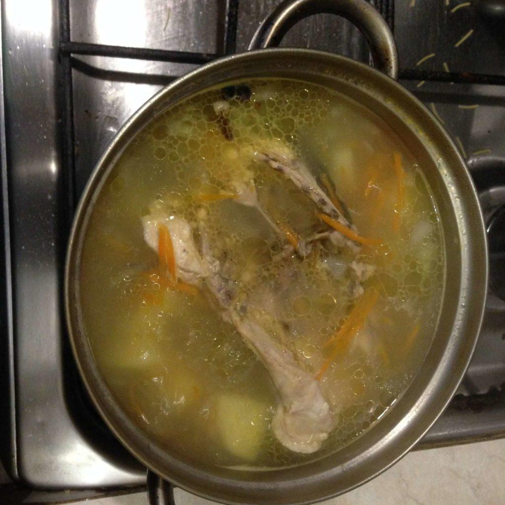 Суп куриный с вермишелью без зажарки
